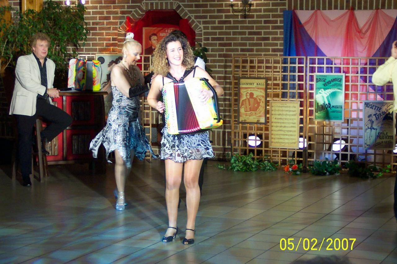 Dorothée LHOIR en scène et en piste